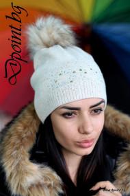 Плетена шапка с камъчета Каролин